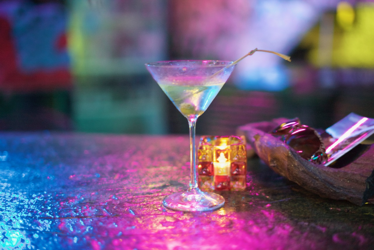 Belize_bar_scene_Martini_night_at_luxury resort_and _spa.jpeg